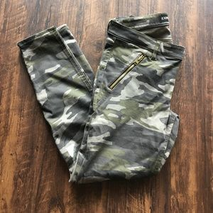 Express Camo Skinny Ankle Pants